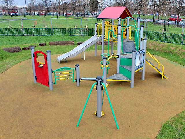 640×480 Serv Play Areas